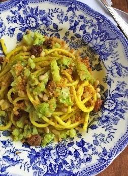 bucatini con broccoli e mollica