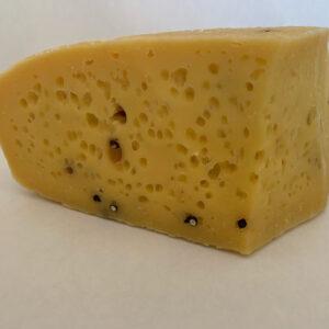 formaggio-fresco-con-pepe-nero-prodotto-latte-vaccino